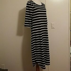 Moking top black and white tunic dress size small